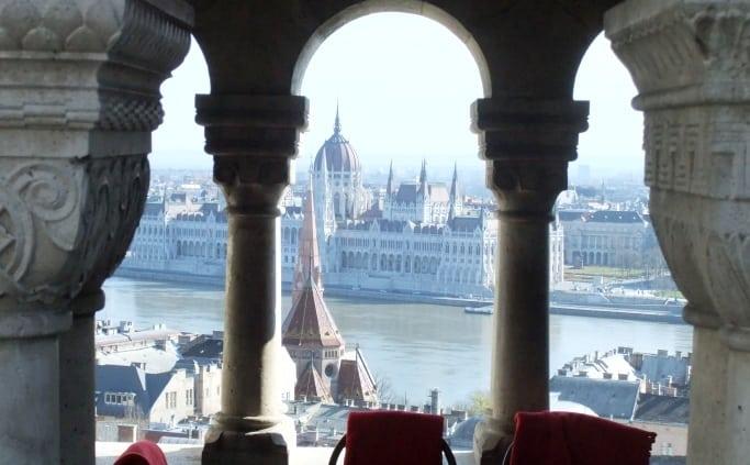 Aan de overkant van de Donau: het parlement van Boedapest
