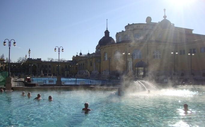 Bad Szechenyi in Boedapest