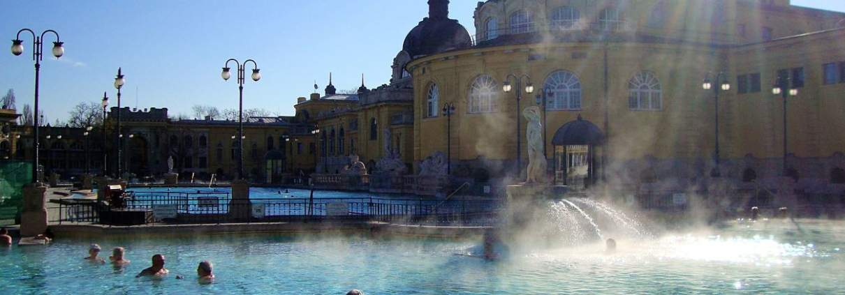 Themaal bad Szechenyi in Boedapest